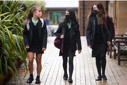 校内疫情严峻,北爱尔兰学校宣布再次关闭!
