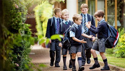 独家揭秘:什么是GCSE课程?该如何选择学校?