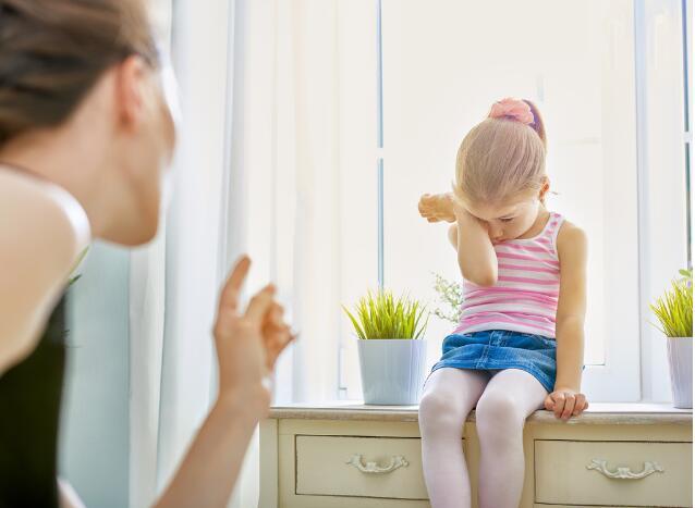 孩子逃课被罚的是家长?不堪重负的英国家长只好自己教娃