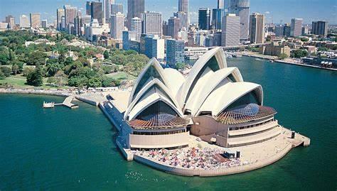 注意,澳洲取消1.8万留学生签证,近5000万中国学生中招!