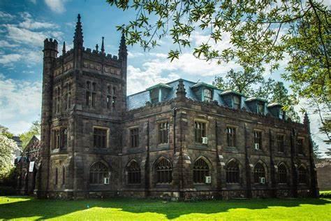 普林斯顿大学取消早申请、暂停标化考试要求